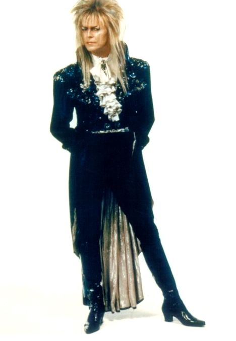 annabellioncourt:  labyrinthnook:  meanie-face:  labyrinthnook:  David Bowie showing off his ballroom glad-rags for Labyrinth.  You know wha...
