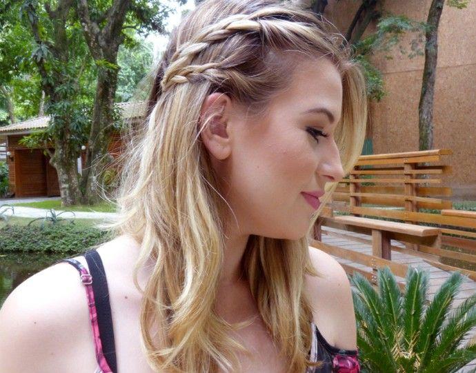 Penteado fácil pro dia a dia, a trança lateral levanta qualquer look. Aprenda a fazer!