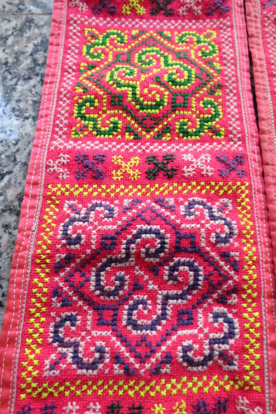 Vintage Hmong Fabric handmade tapestry textiles hill por dellshop