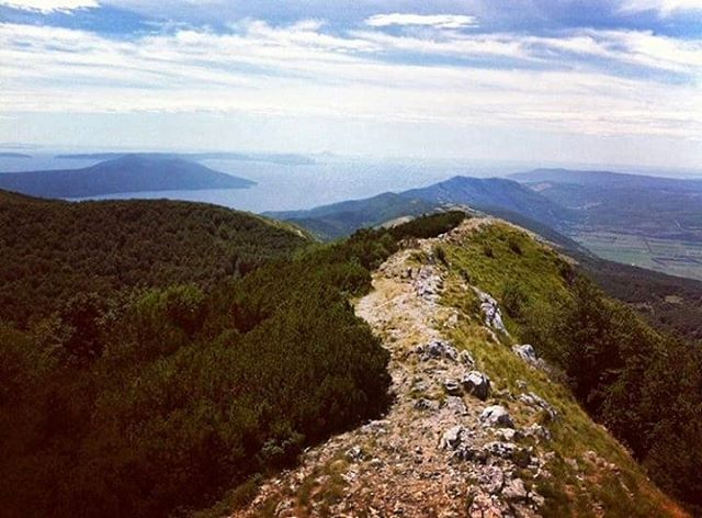 I am preparing for a #trip to #Ucka for some time and honestly can't wait. This is definitely one of the #desirable #hiking #routes in #Istria  . . . . . . . . . .  @park.prirode.ucka