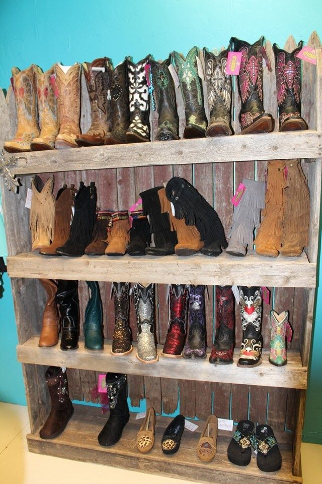 Want Make This Boot Display The Western Life Pinterest Discover More Ideas About