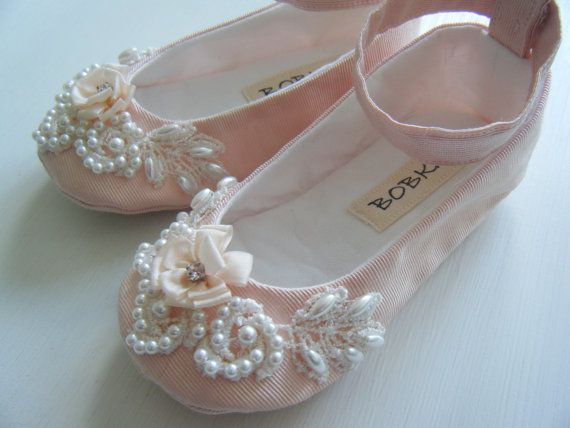 This ankle strap shoe is made of vintage moire taffeta. A lovely venice lace piece has been hand beaded with pearls for the toe of each shoe.    THIS