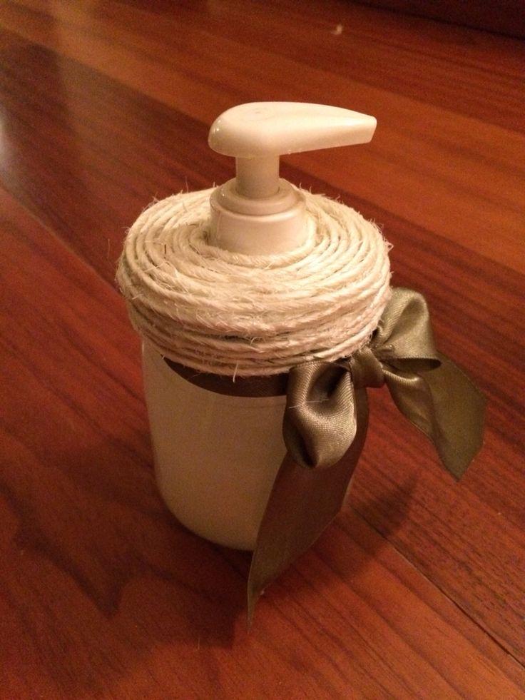 Barattolo di vetro diventato un Dispenser per sapone! #barattolo #vetro #riciclo #creativo #diy