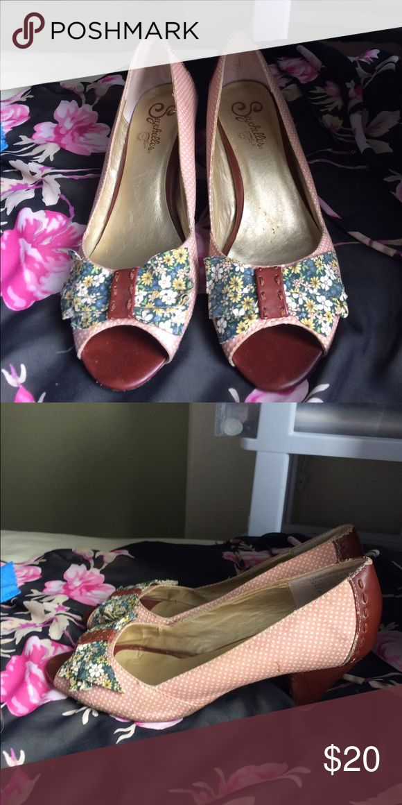 Anthropologie Seychelles shoes So cute pink polka dot shoes with floral bow and leather accents like new. Small heel Seychelles Shoes Heels