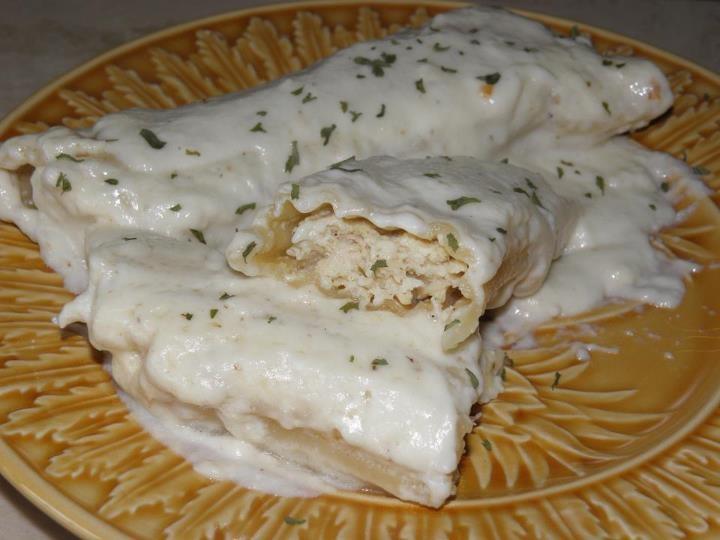 Chicken Manicotti with White Sauce