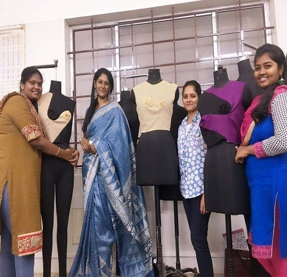 200 Entrepreneurs Created Best Fashion Designing Institute In Bangalore Vfa Fashion Designing Institute Fashion Fashion Design
