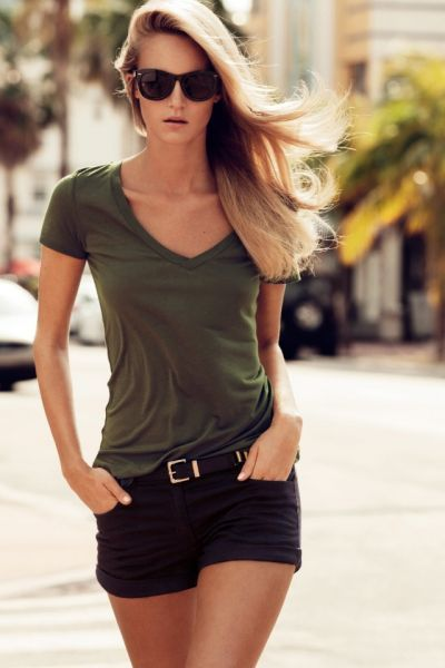 simple vneck (any color will work).. comfortable.. cute for the summer. :)
