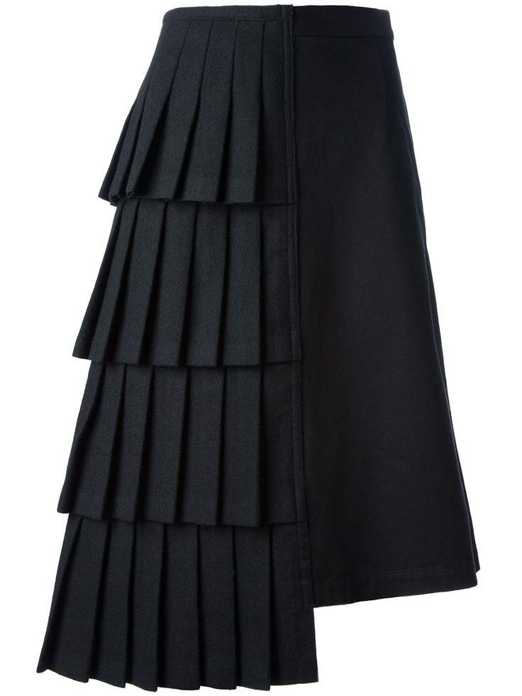 http://www.farfetch.com/fr/shopping/women/Comme-Des-Garons-Vintage-jupe-plissee-asymetrique-item-10737012.aspx?utm_source=1205222
