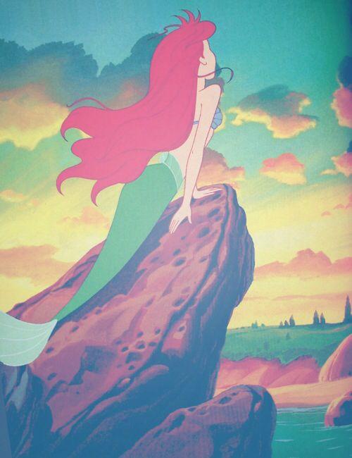 La Sirenita es un cuento del danés Andersen publicado en 1837. La versión animada de Disney dista de la original donde la Sirenita sede a la tentación de matar al príncipe con un cuchillo para recuperar su longevidad, pero de todas formas gana un alma 'inmortal' como espíritu del aire. Ariel además es una prestigiosa marca de detergentes.