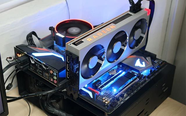 Amd Introduces Radeon Pro Vii Professional Graphics Card Chip Maker Amd On Wednesday Announced The Amd Radeon Pro Graphic Card Computer Aided Engineering Amd