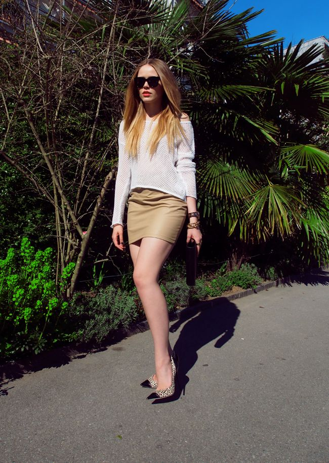 crochet-top-with-miniskirt-and-cap-toe-shoes