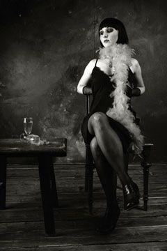 56 besten 20iger jahre mode bilder auf pinterest 1920er stil alte fotos und 1920er. Black Bedroom Furniture Sets. Home Design Ideas