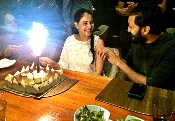 The Way Riteish & Genelia Are Looking At Each Other In This Photo Is Just Too Sweet