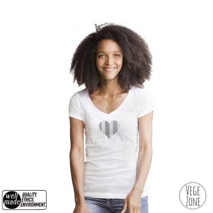 VEGAN heart. http://vegezone.pl/15-koszulki