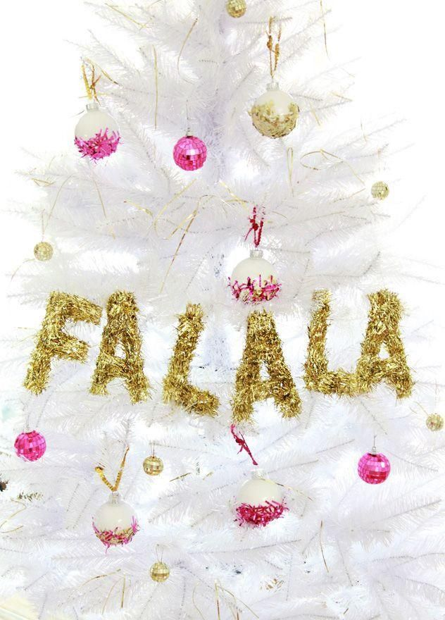 Show off your holiday cheer with this easy DIY tinsel garland.