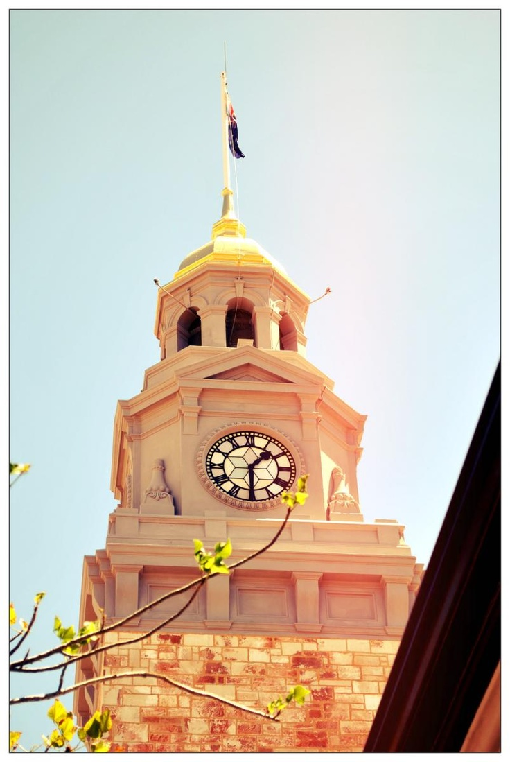 Gold Dome on top of the old Kalgoorlie Court House. Hannan Street, Kalgoorlie Boulder