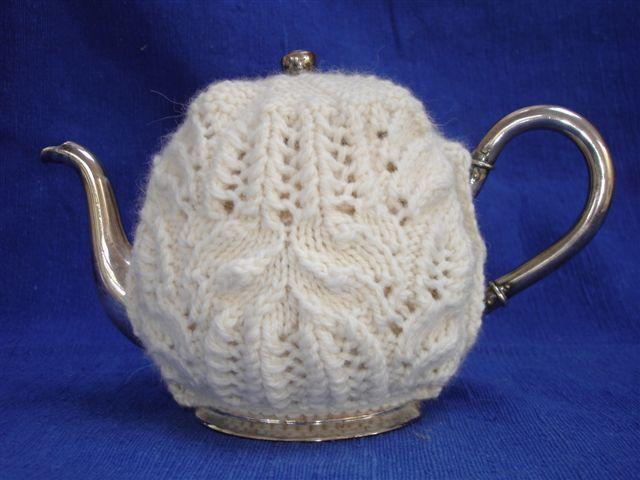 Coffee Pot Cosy Knitting Pattern : 35 best Free Knitting Patterns (Tea and Coffee) images on Pinterest Free kn...