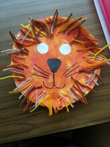 L is for Lion. Preschool craft