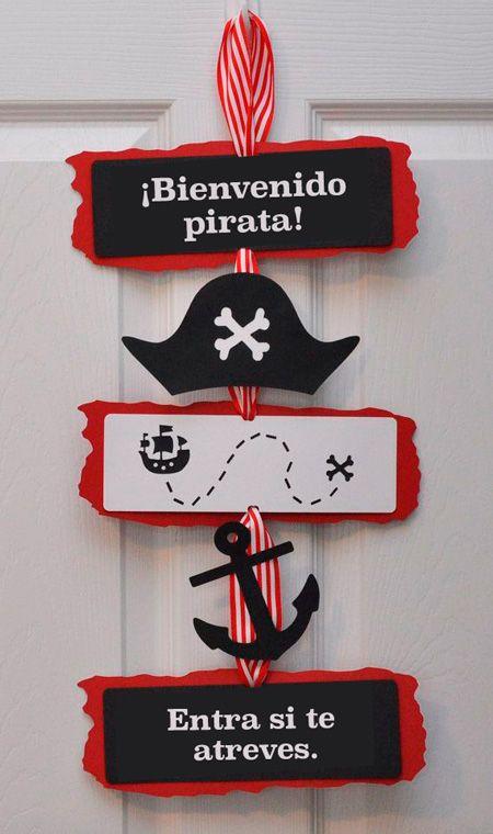 Cartel para decorar la puerta de tu casa cuando celebras una fiesta pirata. #PopUpParty