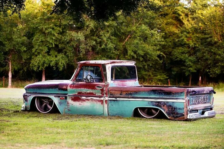 Bagged C10 Now this is truly a belly dragger since it looks like it's only sitting on it's rims.