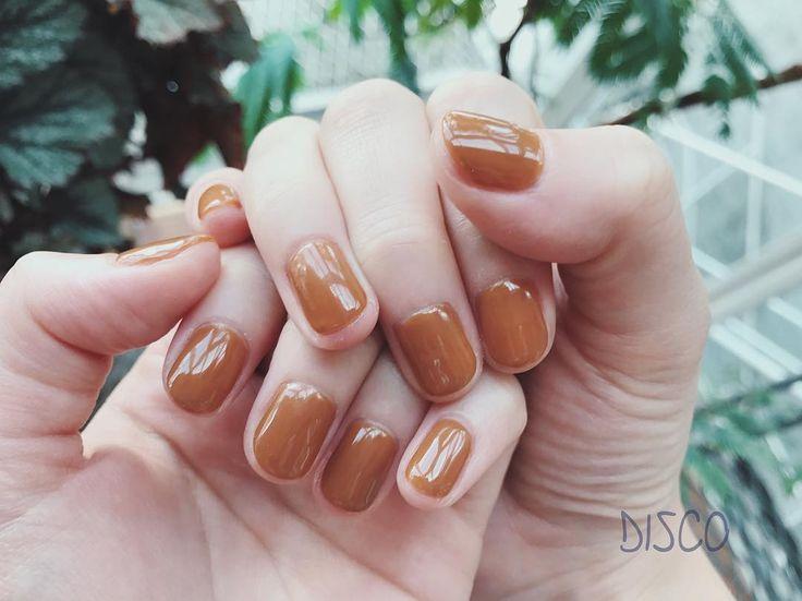 いいね!973件、コメント1件 ― DISCO Official Instagramさん(@disco_tokyo)のInstagramアカウント: 「nail by @moe__nakagawa (60min) ヴェルタースオリジナルみたいな色。キャメルが美味しそうです。 . ▫️◽️本日9/8 のご予約にキャンセルが出ております◽️▫️ .…」