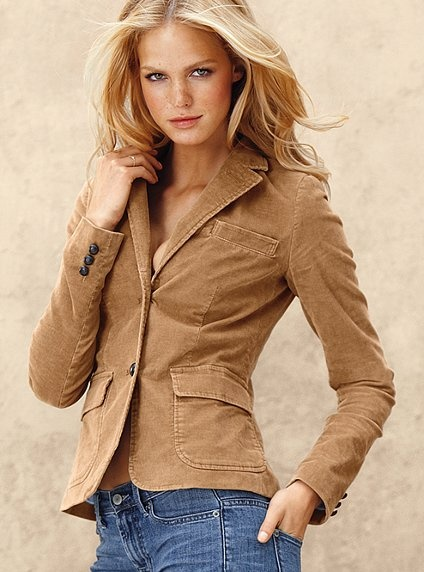 Shop women's tan jackets & winter coats from DICK'S Sporting Goods today. If you find a lower price on women's tan jackets & winter coats somewhere else, we'll match it with our Best Price Guarantee! Check out customer reviews on women's tan jackets & winter coats and save big on a variety of products. Plus, ScoreCard members earn points on every purchase.