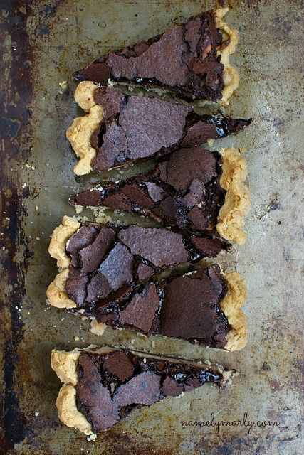 Gluten-Free Chocolate Brown Pie with Peanut Butter Cheesecake #glutenfree #recipe