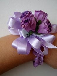 Tutorial: Ribbon and silk flower elastic wrist corsage