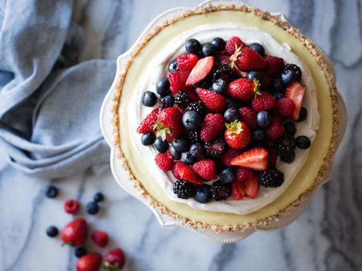 Almonds, cashews, maple, and coconut form the base for this über-lemony tart topped with coconut cream and summer berries. Naturally vegan, gluten-free, and refined sugar-free. Today, June 10th, is a special day – my mom's birthday. HAPPY BIRTHDAY, MOM! I wish I could serve you up a big slice of this tart, because I know you'll love … Continue reading No-Bake Lemon Berry Coconut Cream Tart {vegan, gluten-free, refined sugar-free}
