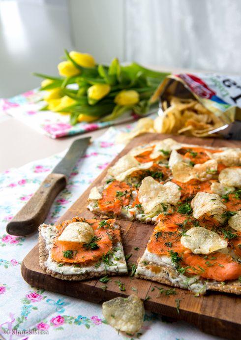 Rukiinen lohipizzakka #resepti #leivonta #ruoka #lohi #ruis