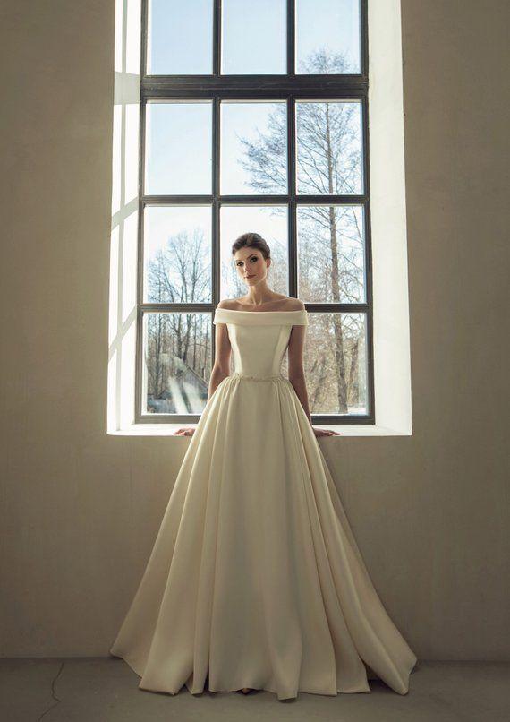 Classic simple wedding dress modern boho wedding gown bohemian white ivory blush embroidered belt sash sleeves bridal wedding dress train