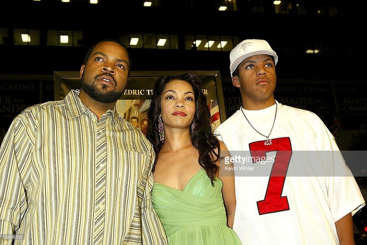Actor Ice Cube (L), his wife Kim and son Oshea arrive at the premiere of MGM's 'Barbershop 2: Back in Business' at the Chinese Theatre on January 20, 2004 in Los Angeles, California.