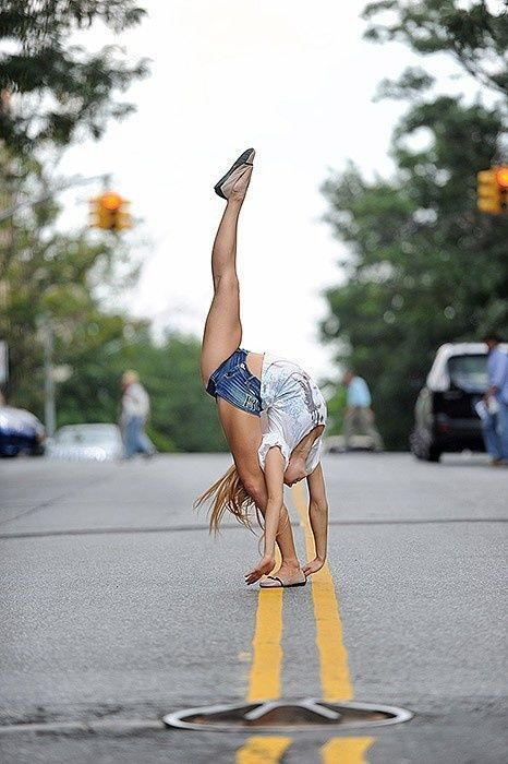 #dance #dancers #flexibility is that even possible?!