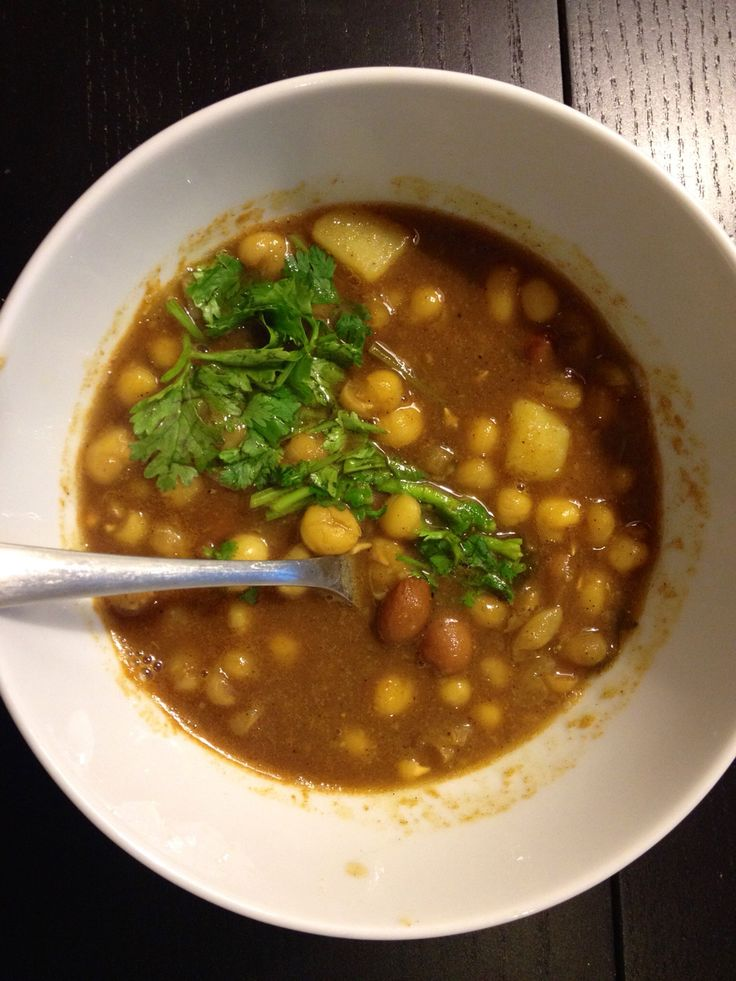 Yellow split bean soup with coriander