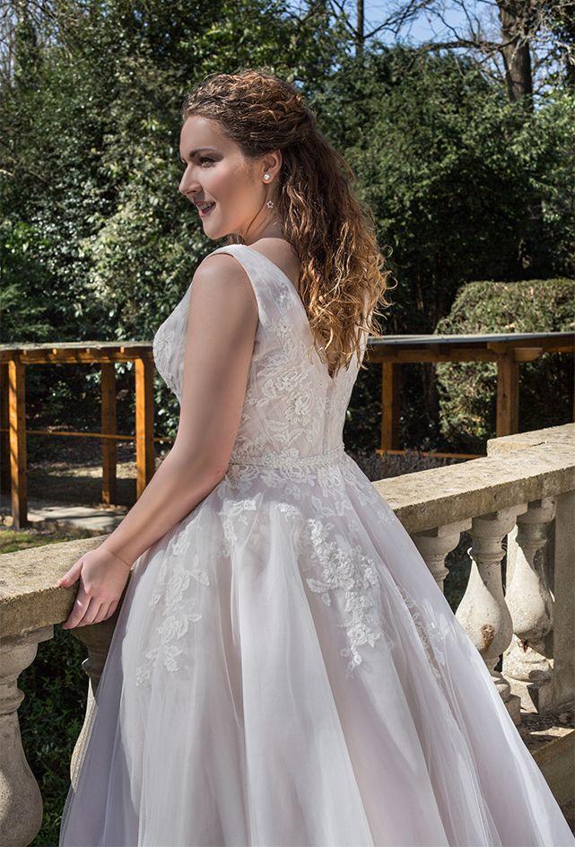 Christine Style Wp465 Fabric Tulle Colour Ivory Fabric A Line Rose Wedding Dress Ireland Wedding Dress Flower Girl Dresses