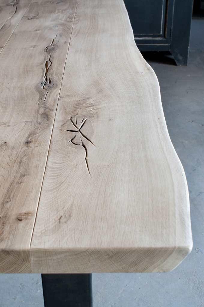 Industriële boomstamtafel Taverny - ROBUUSTE TAFELS! Direct uit voorraad of geheel op maat >>