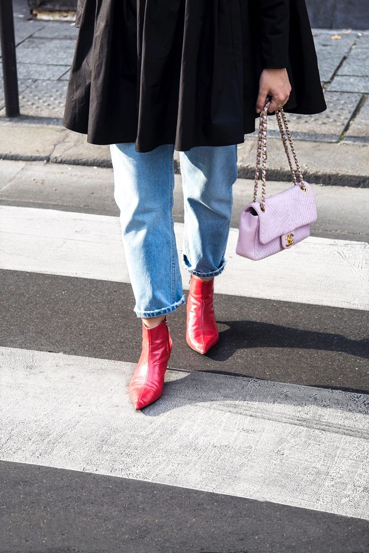 Red ankle boots & Pink Chanel chevron bag - Stella Asteria
