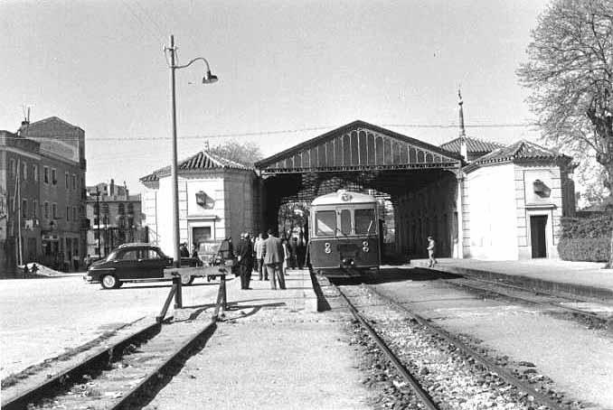 Madrid antiguo. La estación de Goya hacia 1960. Estación del tren de vía estrecha de Madrid a Almorox, estación que se llamó de Goya en honor del que fue ilustre propietario de los terrenos, que duró hasta 1970 en que fue demolida.