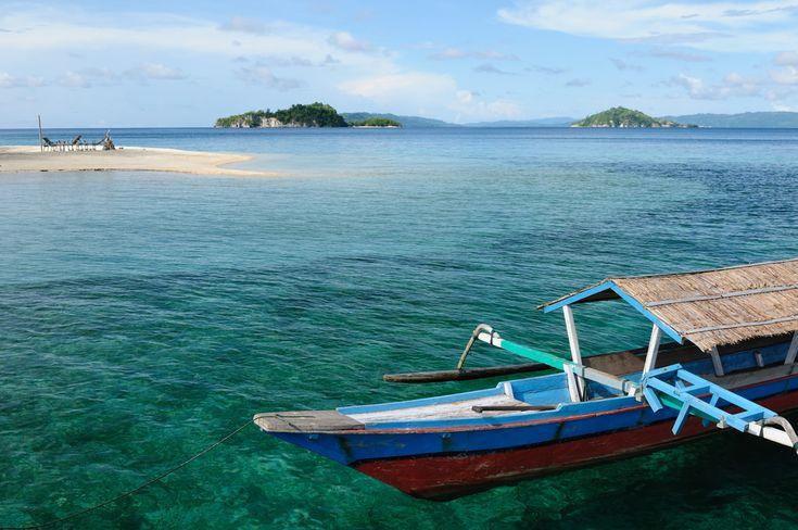 Taman Nasional Kepulauan Togean banyak dikunjungi oleh para petualang yang ingin menikmati keindahan alam bawah laut dengan menyelam, snorkeling atau sekedar berenang. Selain kegiatan-kegiatan bahari tersebut, selama berada di kawasan taman nasional ini menyusuri Pulau Malenge juga tidak kalah menariknya. Kawasan Pulau Malenge meliputi dua pulau kecil, yaitu Pulau Kadoda yang terdapat cottage dengan 8 …