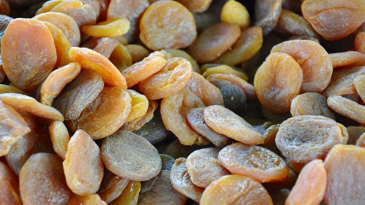 #Dried Fruit : 21 Iron Rich Foods For Vegetarians and Vegans | TOAT