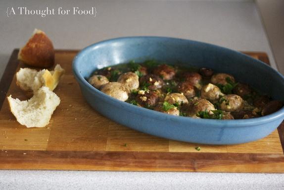 garlic butter roasted mushrooms | buongustaio | Pinterest