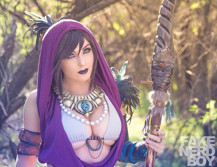 kamikame-cosplay:  Morrigan from Dragon Age Cosplayer: Jessica Nigri Photographer: Fake Nerd Boy   New pics added!
