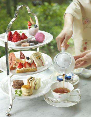 大阪・リーガロイヤルホテルで、「苺のアフタヌーンティー」&「苺のハイティー」を堪能。|ライフスタイル(カルチャー・旅行・インテリア)|VOGUE JAPAN
