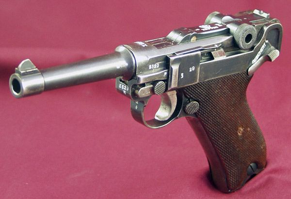 Used to hate the aestetics of the Luger, but my mind changed over time.