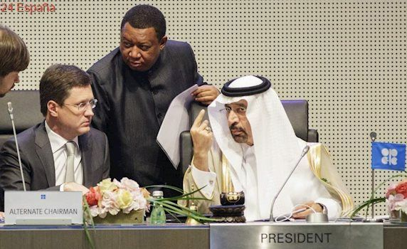 La OPEP extiende nueve meses más el recorte de producción de petróleo para sostener su precio
