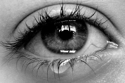 Mijn oogjes doen zo pijn... zo moe... zo leeg... bij jou ook en das allemaal mijn fout... tspijt mij zo enorm... xxx