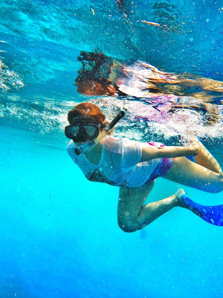 snorkelling bunaken manado indonesia