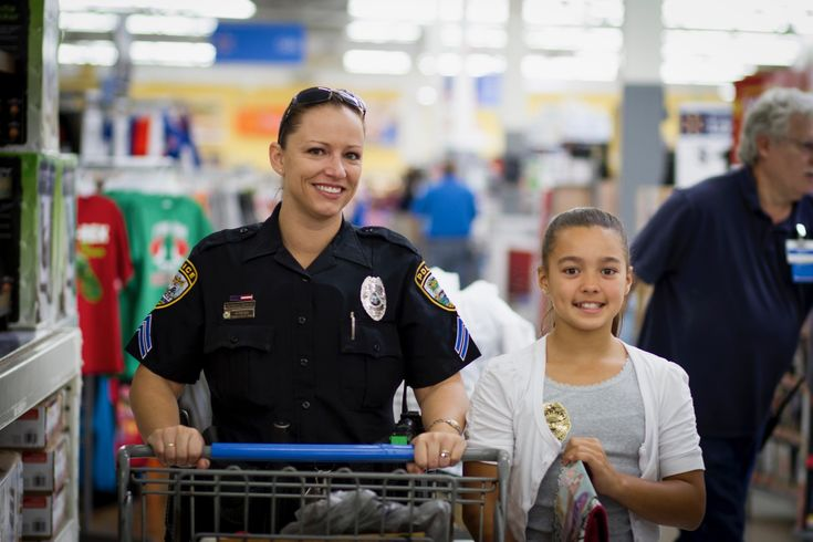 "Cape Coral Police's ""Shop With A Cop"" Applications for 2016 Now Open  http://www.capecops.com/newsroom/2016/11/1/cape-coral-polices-shop-with-a-cop-applications-for-2016-now-open"