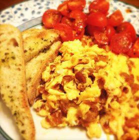 Quase toda a gente faz ovos mexidos e não há dúvida que é um dos pratos mais cozinhados quando se tem pressa, escassez de ingredientes ou s...