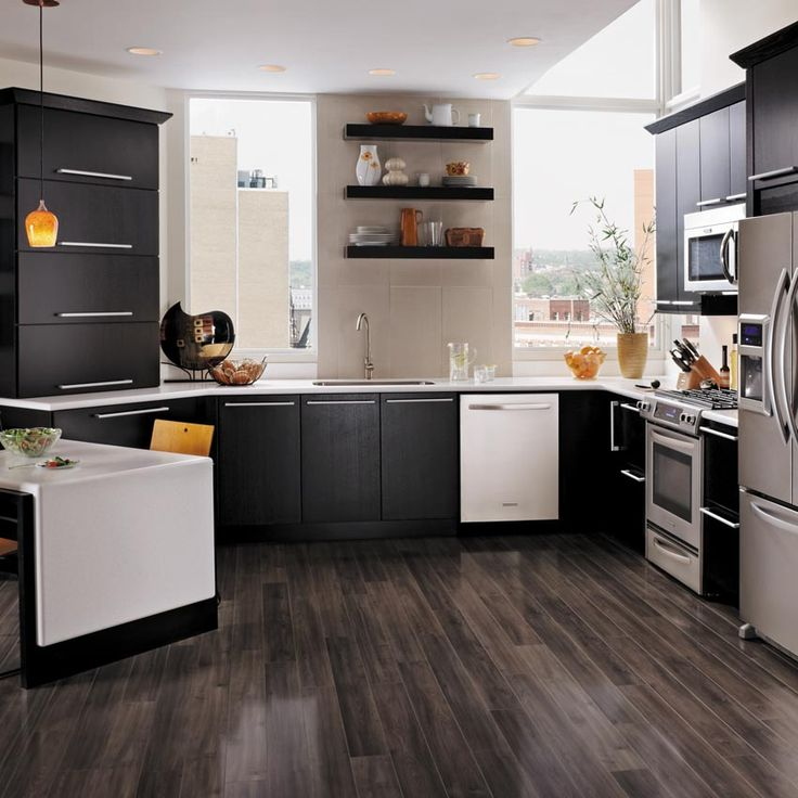 Stained Kitchen Cabinets: Onyx Paint Highlights The Dynamic Grain Pattern Of The